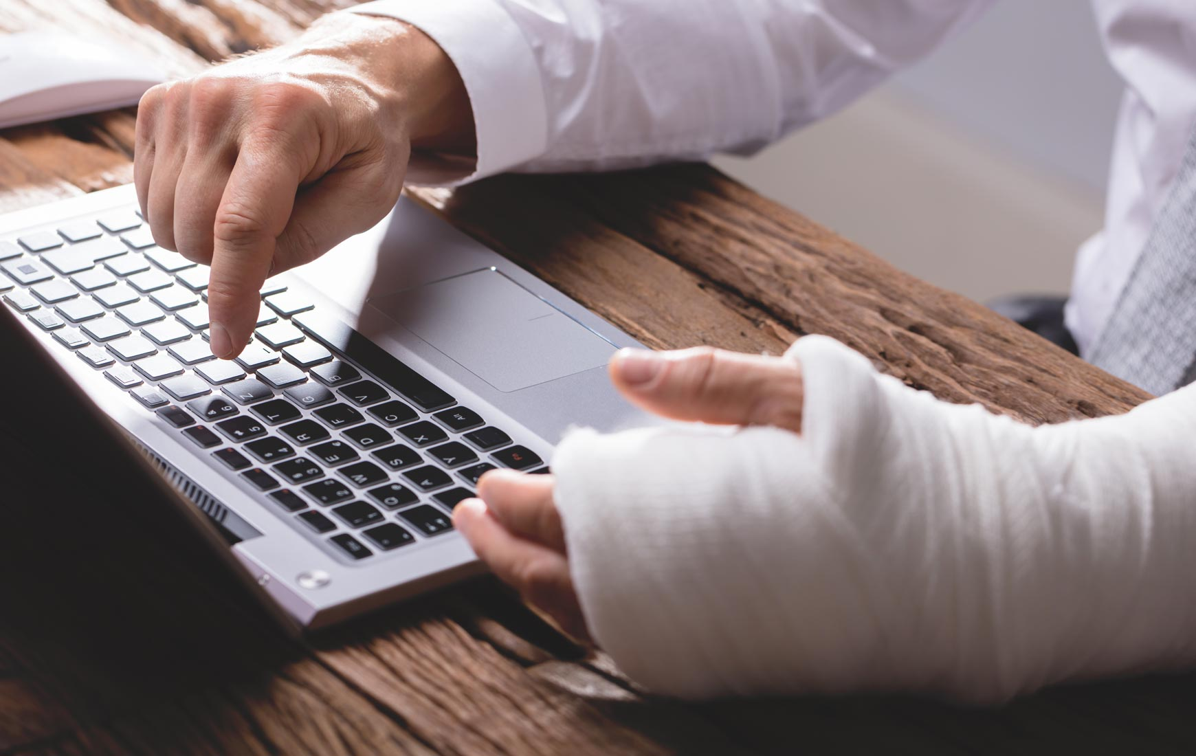 Hire the best lawyers for workers compensation settlements